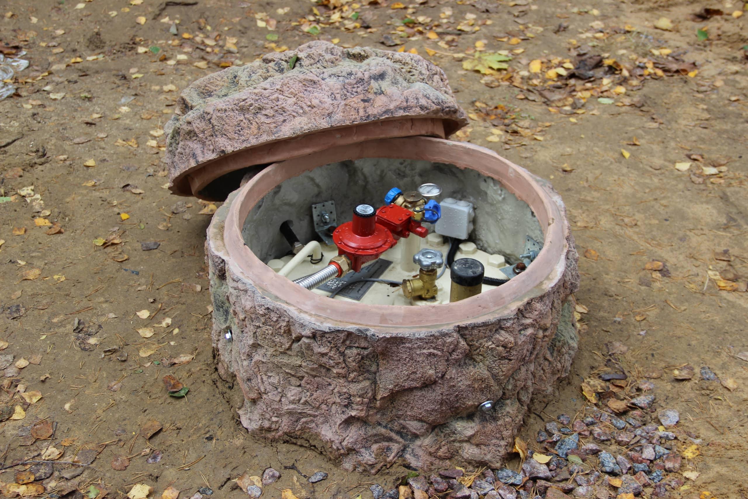 Декоративные камни для септиков и люков своими руками 263